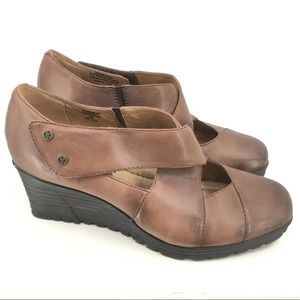 Earth Spindrift Wedge Leather Criss Cross Shoes